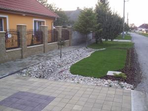 Parmelia - Záhrada 003